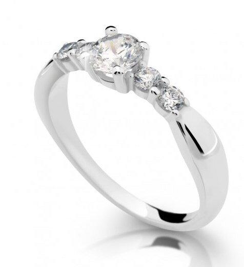 zasnubny-prsten-s-diamantom-df2356b-0-740ct damsky diamantovy prsten 811b98539dd