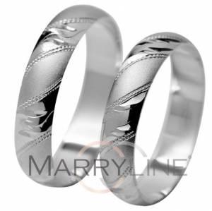 a9791303c Klasické svadobné obrúčky 8H zo žltého zlata. Povrch prsteňov je ...